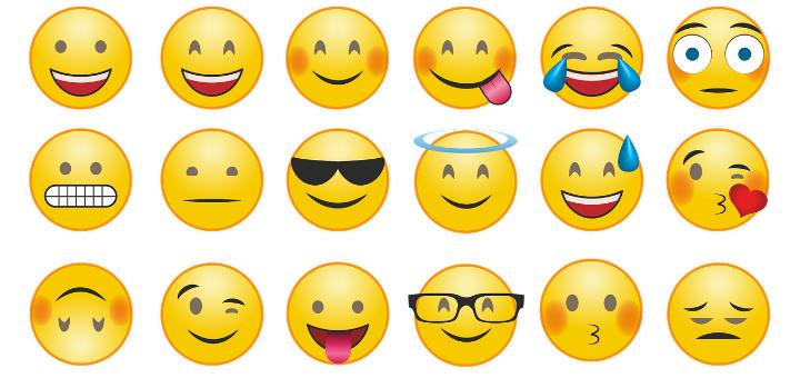 Instagram Aesthetic Trend # 6 - Photography + Emoji Combo